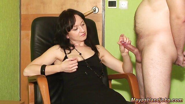 Dane jones نوجوان سکسی دزدکی در عکس سوپرایرانی جوراب ساق بلند خروس سفت را تخلیه می کند