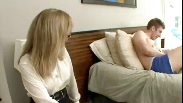 او یک خدمتکار را لعنتی کرد - عکس سکسیزن خانم موز