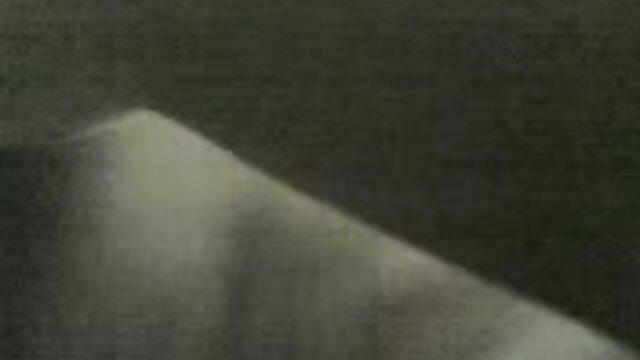 بزرگ عکس های سکسی انجلینا جولی جوانان آبنوس شیرده و بازی با 3