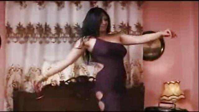 مقعد سکسی لیلا اوتادی حسی برای سبزه ناز