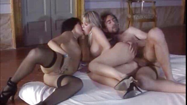 لیزا آن دوست فیلم سکس زن چاق پسر خود را طعنه می زند