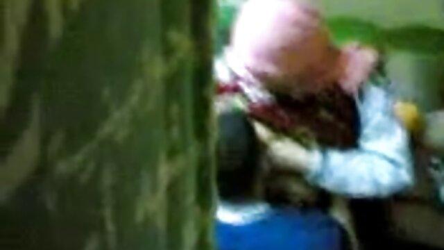 رایلی استیل با دو عکس سکسی مالیدن کس پسر سفیدپوست