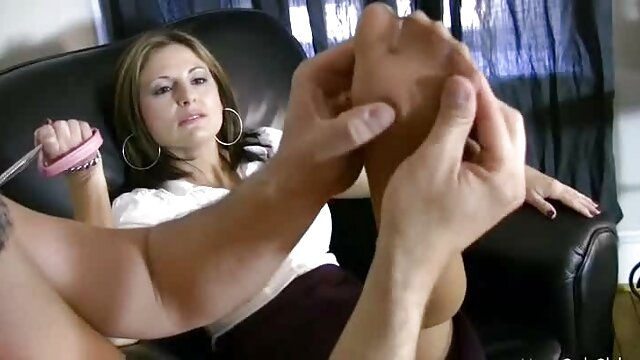- خواهر به طور تصادفی fucks عکس های از سکس