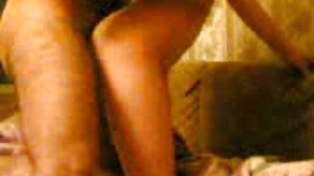 ژاپنی عکس سکسی خوردن ممه لزبین مکیدن جوانان بزرگ 12