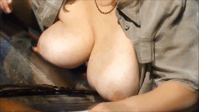 مامان دختر جوان بور و تنگ با عكس سكسي متحرك شورت و گربه یک شیرین گرم آسیایی را باز کرد