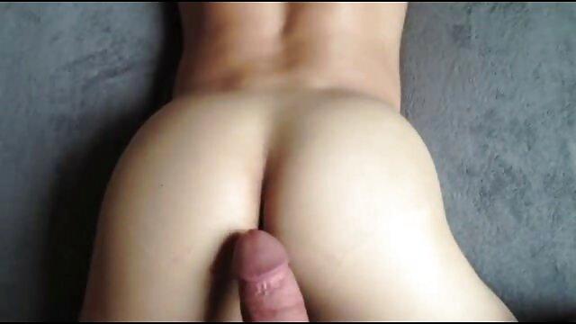 نوجوان بیدمشک با فیلم سکس ا بدن سواری dildo بدن