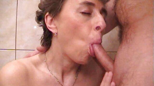 استپسون مادربزرگ را اغوا می کند و رابطه جنسی را فیلم سکس به زور داغ می کند