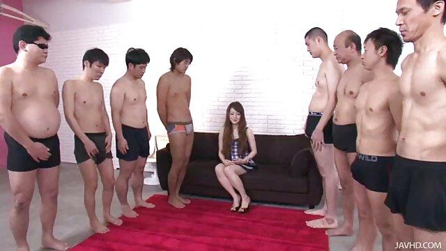 کلی زیبا او را به مقعد عکس سکسی سینه خوردن اغوا می کند