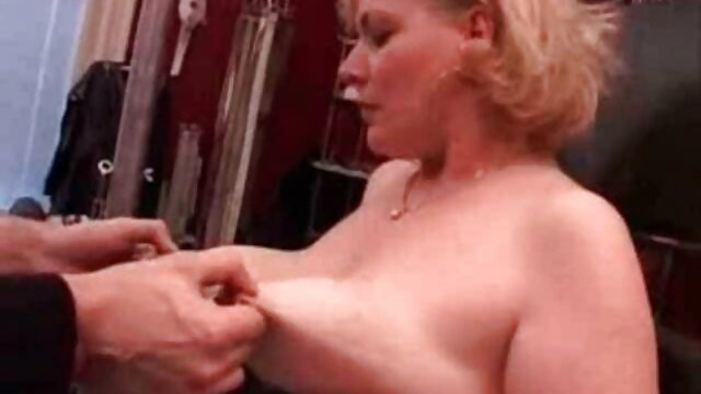 عزیزم بلوند سکسی که در حال چشمک زدن عکس سکسی چاق عمومی است و بچه های بیرون از خانه در پارک ها خودارضایی می کنند