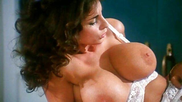 عاشقانه فیلم سکس با دستگاه همسر ژاپنی داغ دوست او