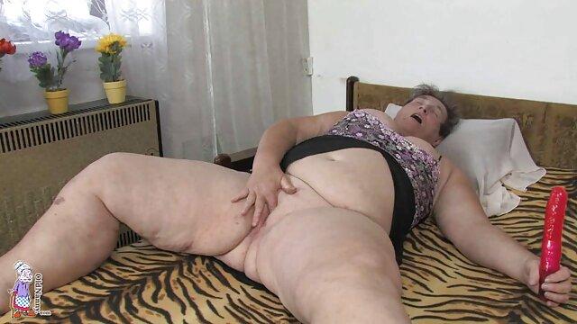 دوست دختر سابق شیطان دانلود عکس سکسی شهوانی من بیدمشک خود را می مالد