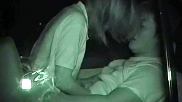 صحنه های برهنه عکس سکسی دوربین مخفی و وحشیانه بازیگر معروف لورا جوزفین ووس